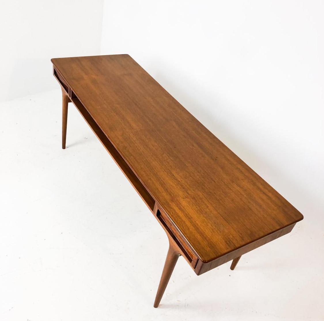 Hans Olsen Denmark Soffbord • Reform Furniture
